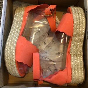 Coral bamboo sandals